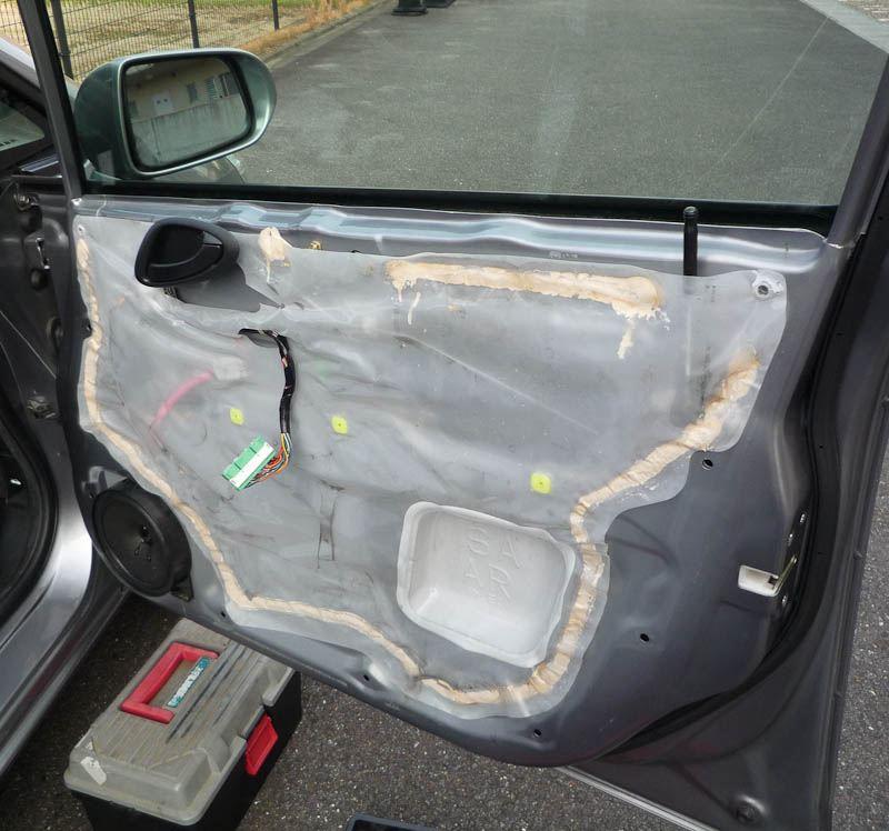 運転席ドアガラスランチャンネル交換