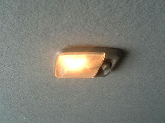 後部座席にルームランプを付けようの巻