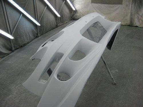 トヨタ・セリカのフロントバンパーの交換です。
