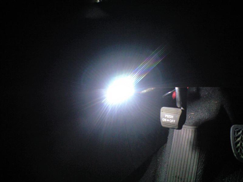 クルーガーV ルームランプ等 LED化のカスタム手順2