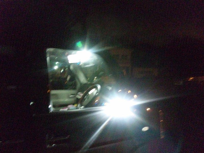 ルームランプ  青LED→SMD5発4ワットへ