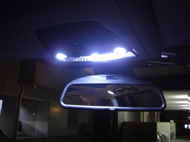 5シリーズ ツーリング F11 ルームランプ FULL LED化のカスタム手順2