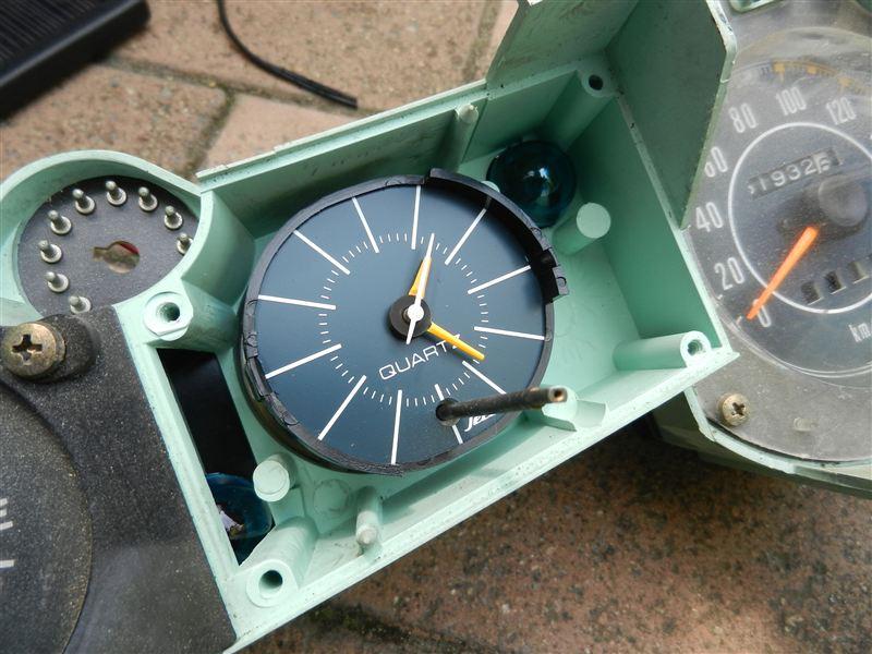 クーペからLの時計交換・・・