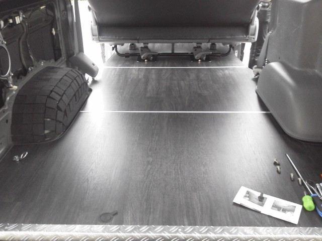 3分割全面フロアーボード - S-GL標準用(フロアー:重歩行用長尺シート 黒カリン