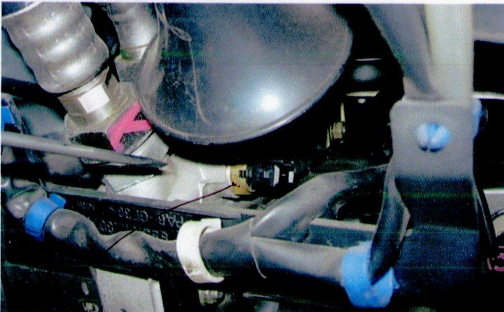 【油温センサー交換】<br /> エンジンオイル交換作業の際に不具合が発見されました。<br /> サーキット走行の前に修理できて良かったです。<br />