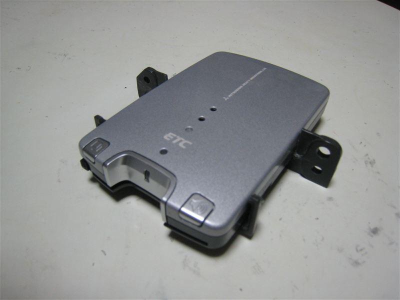 ETC取り付け作業 三菱MOBE-500