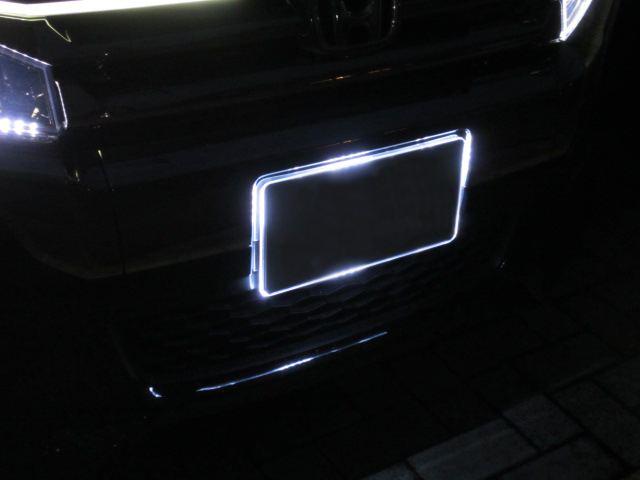 LEDテープとアクリルナンバープレート