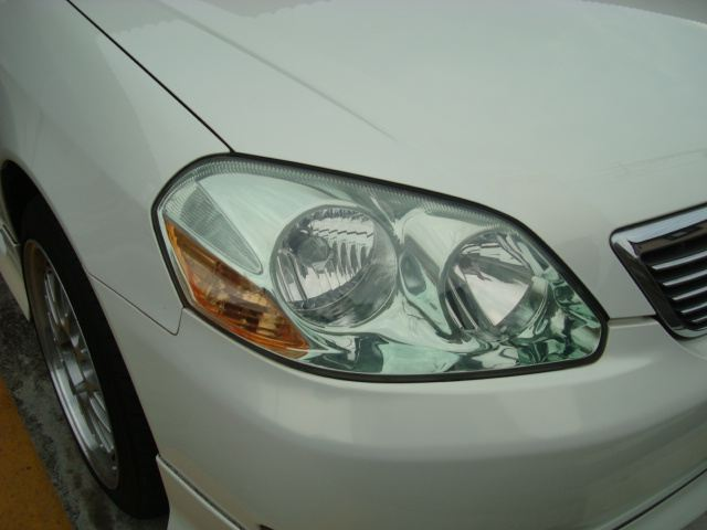 最近ヘッドライトが曇ってきて・・しかも黄ばみも出てきてる・・ので交換します(^^)