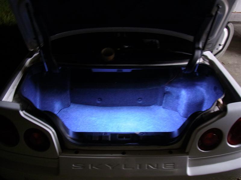 トランクルーム照明LED化