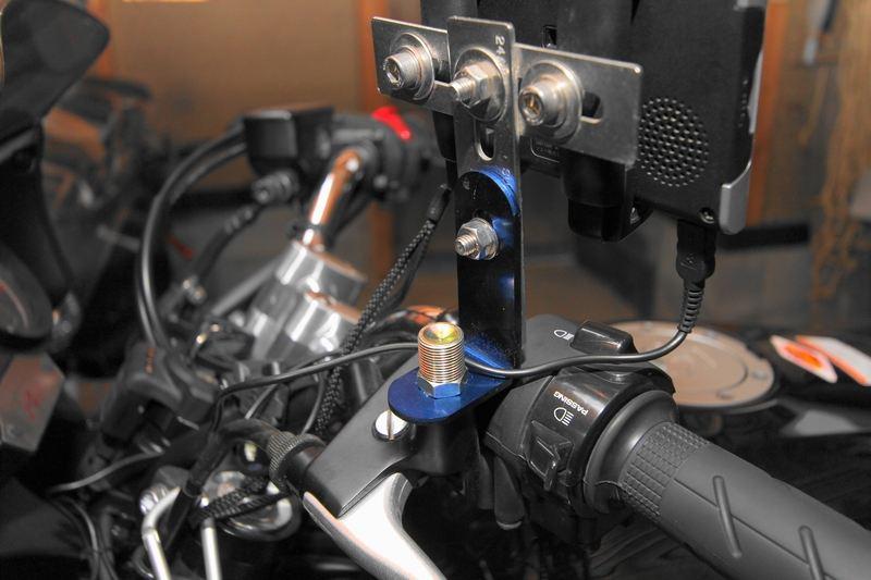 CB400 SUPER BOL D'OR (スーパーボルドール) カーナビ用ステー改良のカスタム手順1