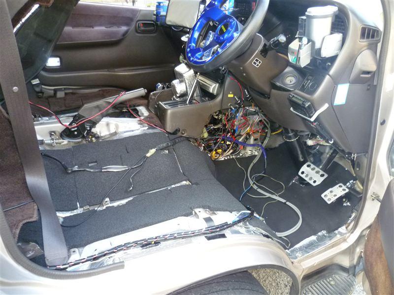 運転席遮音やり変え