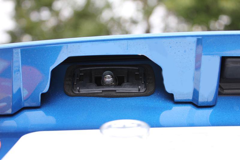 ナンバー灯交換(LED化)
