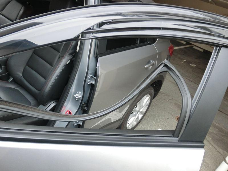 窓ガラスのビビリ音対策