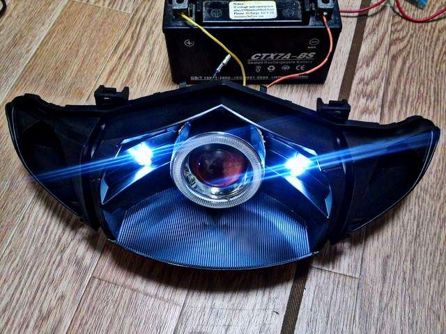 純正ヘッドライト加工 (プロジェクター埋め込み)その1