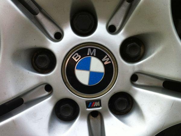 【江戸川店】BMW E46ツーリング 「Mスポーツ」 アルミ装着!