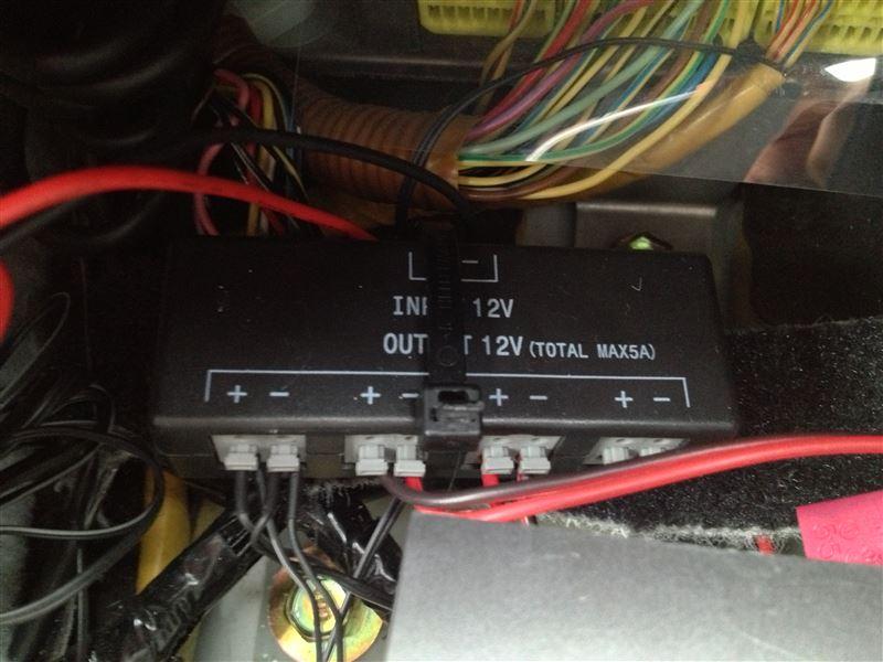 イルミネーション配線コネクター取り付け(内装外し) その2