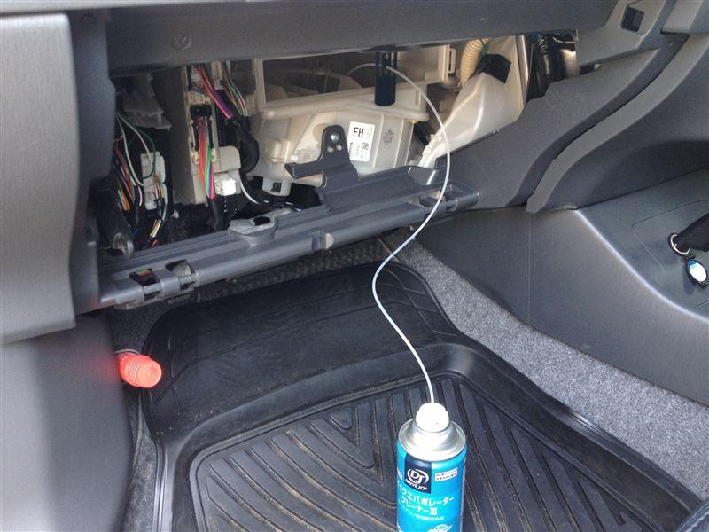 クイックエバポレータークリーナーⅢでエアコン洗浄