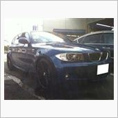 BMW 1シリーズです<br /> 20インチ装着でご来店<br /> (納車前から付いてたそうです)