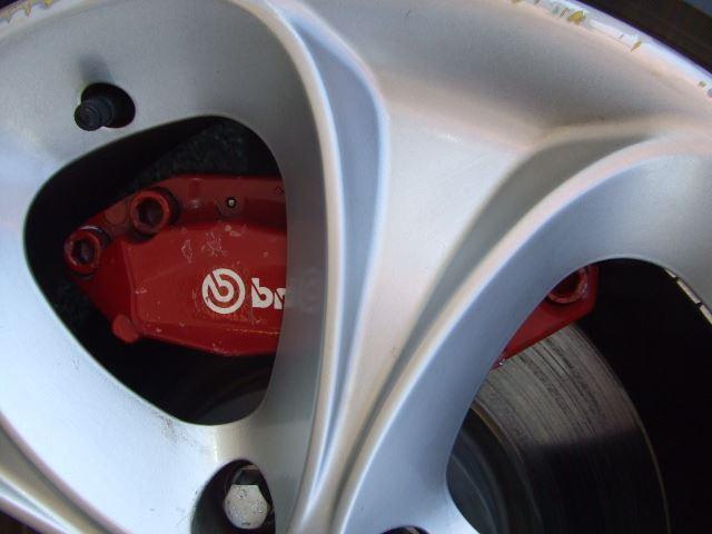 ブレンボロータスキャリパーと305mmローター
