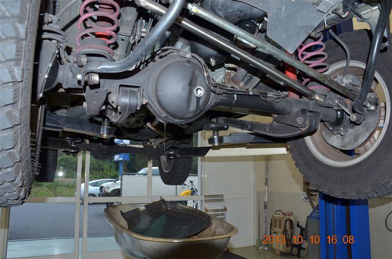 エンジンオイル・ミッションオイル・トランスファーオイル・デフオイル(前後)・ブレーキフルード交換。