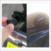 ぽっかり空いた心の穴(ガラス)にコイツを差込み、<br /> <br /> 裏から専用パッキンを挟んで専用ナットで締めます。<br /> <br /> これだけです。  パーツを付ける事に関してはあっという間です、<br /> <br /> <br /> ※ガラスに空いた穴ですが断面は鋭利なのでくれぐれも怪我には注意してください。あたくし指スパスパ切れてしまい、血だらけでした。。(;_;)<br /> <br />