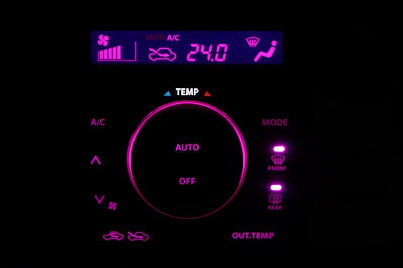 エアコンパネルのLED打ち換え手順(自己流)ww