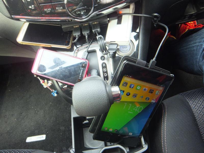 USB充電ハブの設置②