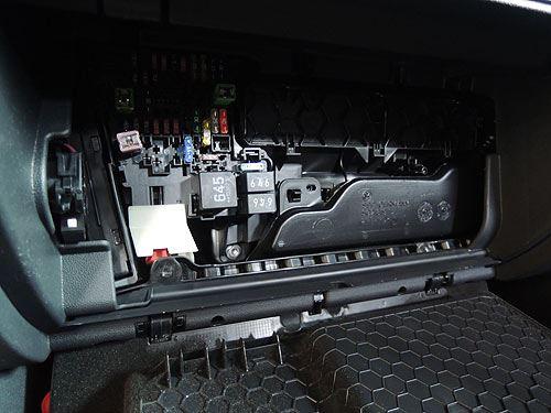 Golf 7 ヒューズBOXからACC電源の確保