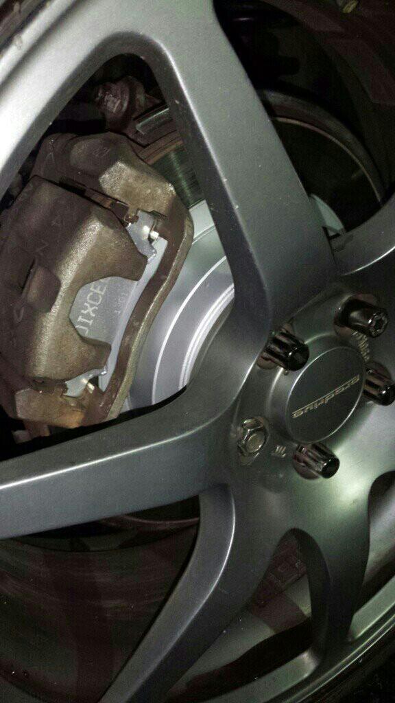 生い先短いリアディスクローター ベルハウジング塗装