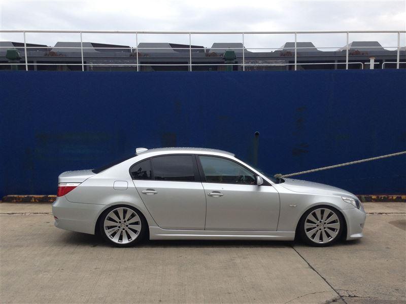 E60 BMW サイドステップ 取り付け(交換)