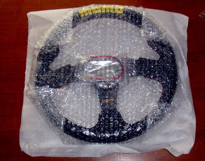 MOMO ステアリング 並行輸入品(PVC+バックスキンコンビ)