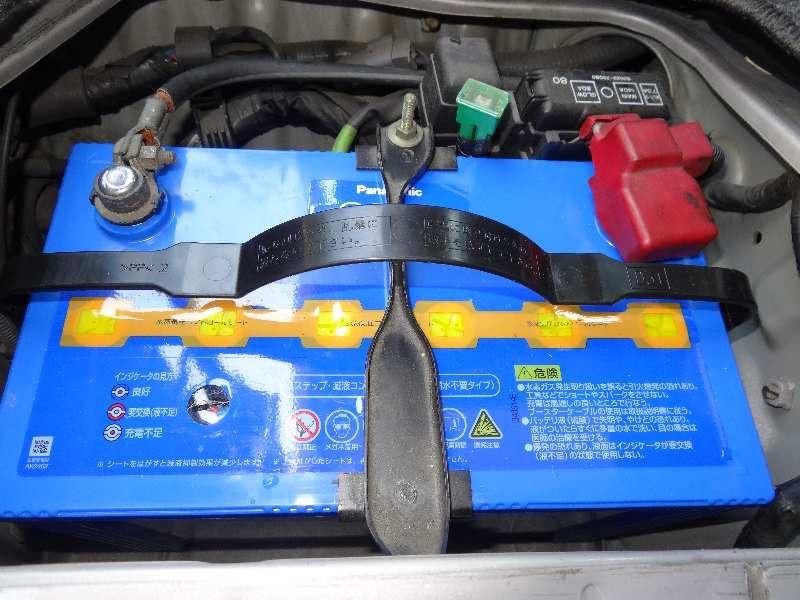 ハイエースキャンピング車のメインバッテリー交換