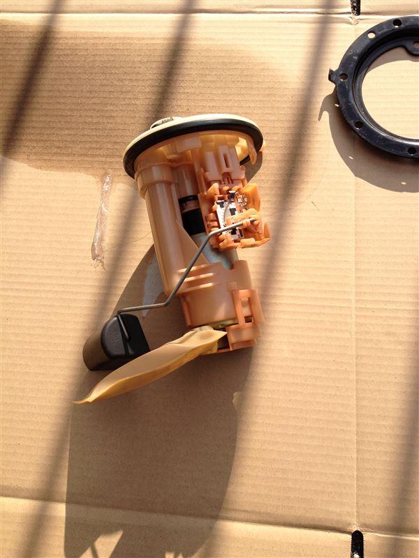 燃料フィルター、ポンプ交換