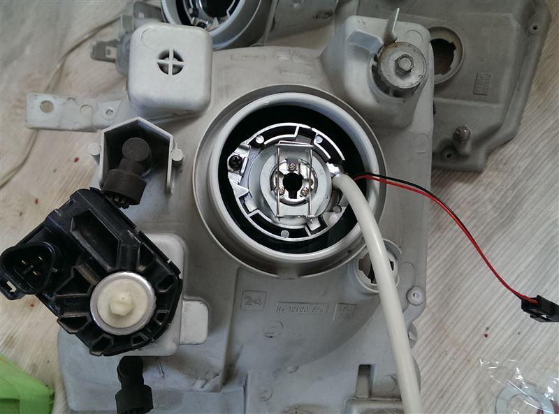 ワゴンR、ヘッドライトプロジェクター化
