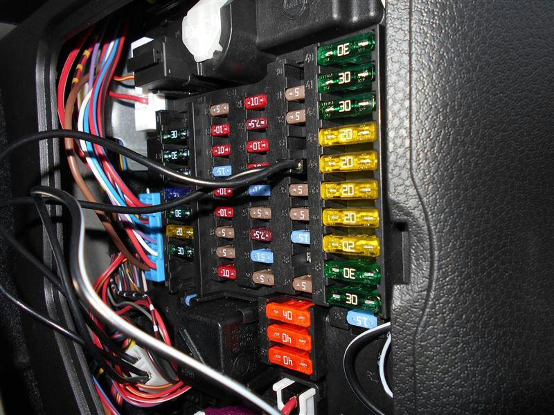 R56ヒューズボックスからの電源取り