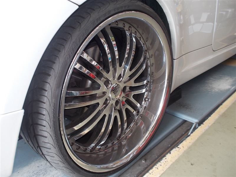 E63 タイヤ交換