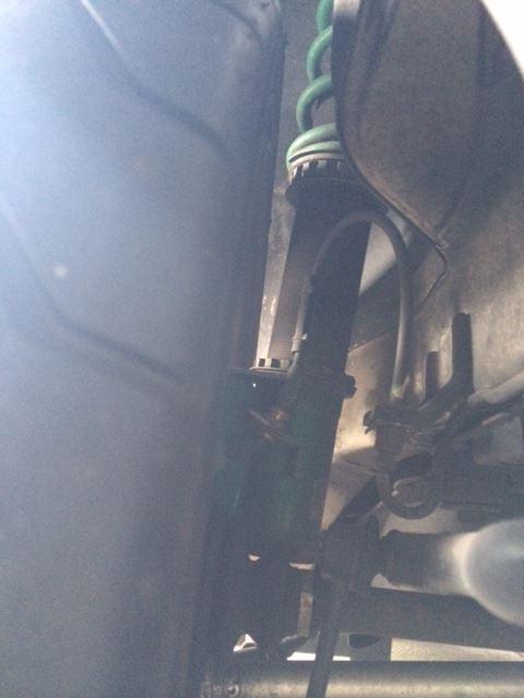 ノーマルフェンダー加工のGDBに285/30R18のタイヤを装着
