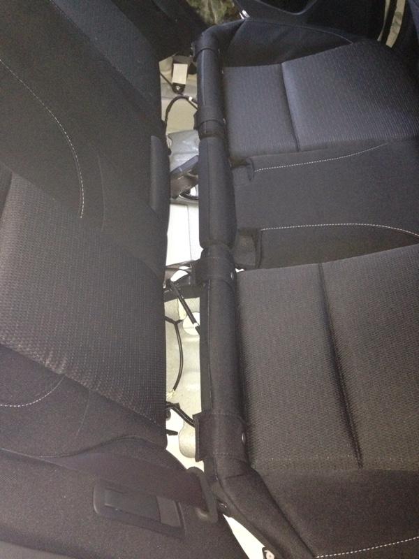 後部座席 シートベルト警告音キャンセル