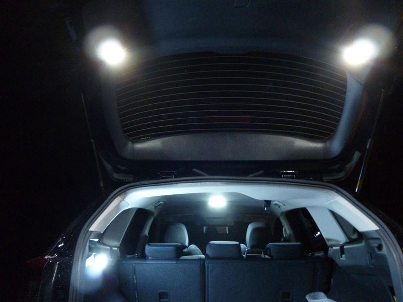 LEDカスタムラゲッジランプ取り付け