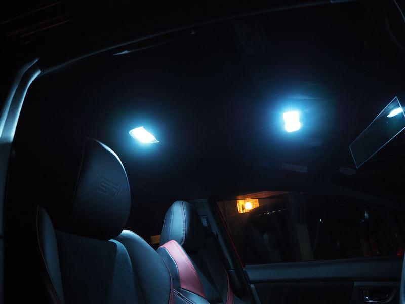 スポットランプ(運転席・助手席)をルームランプと連動してオフディレイ化