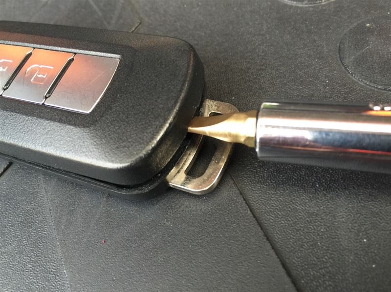 キーレスオペレーションキー 電池交換