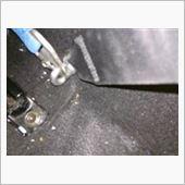 腰ベルトドア側<br /> <br /> 純正シートベルトのボルトをアイボルトに変更しました。ここだけまとも^^;