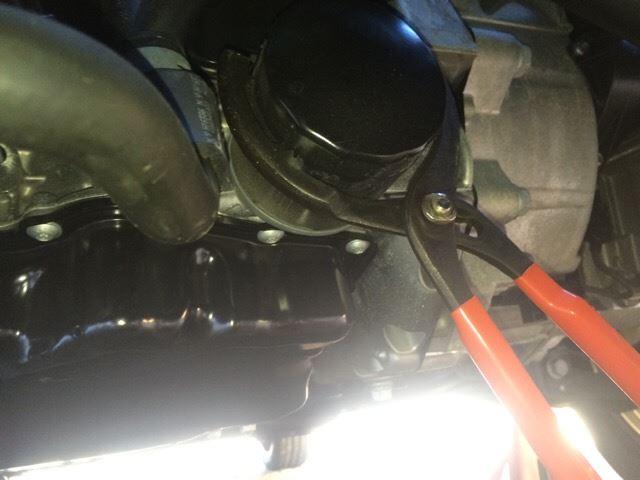 エンジンオイルの交換 (前半)