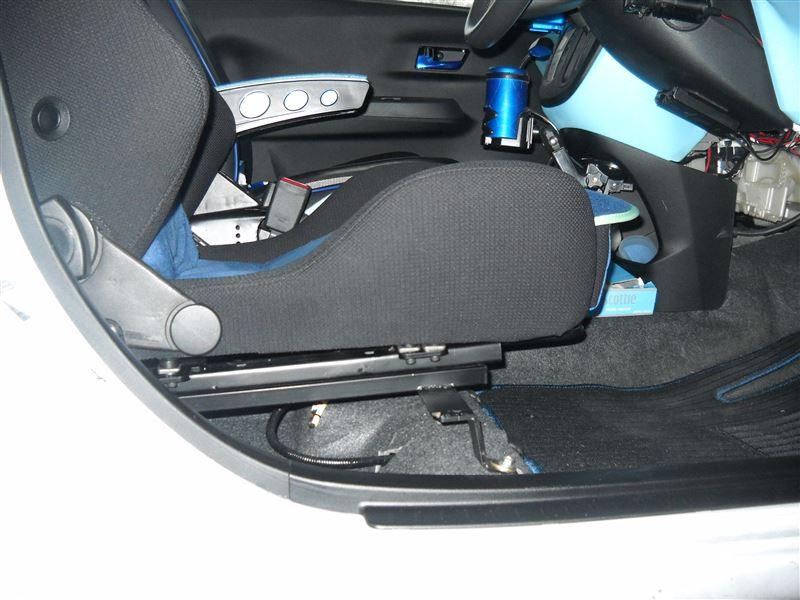 RECAROシート座面角度調整
