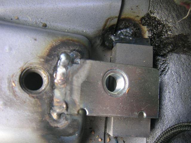 スカイライン用シートレール用のボルト穴作成