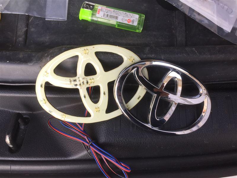 ヤフオクにて購入。<br /> 価格1000円程度。<br /> <br /> 5mmのドリルでボディに貫通。<br /> 内側から念のためシーリング施工。