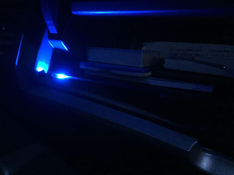 ダッシュボード(グローブボックス)の照明