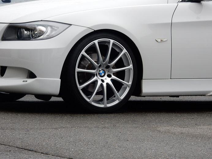 黒い悪魔にさようなら...BMW E90 ブレーキパッド交換