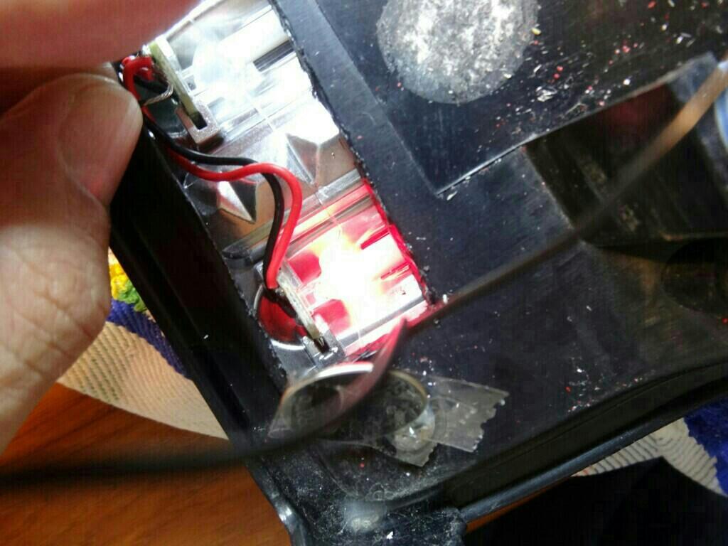 M-BRO LEDテールランプ修理