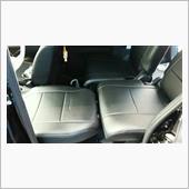 整備手帳というか<br /> 私の車中泊するときの車内<br /> <br /> 助手席のヘッドレストを取って<br /> 座席を一番前にして 背もたれを倒す